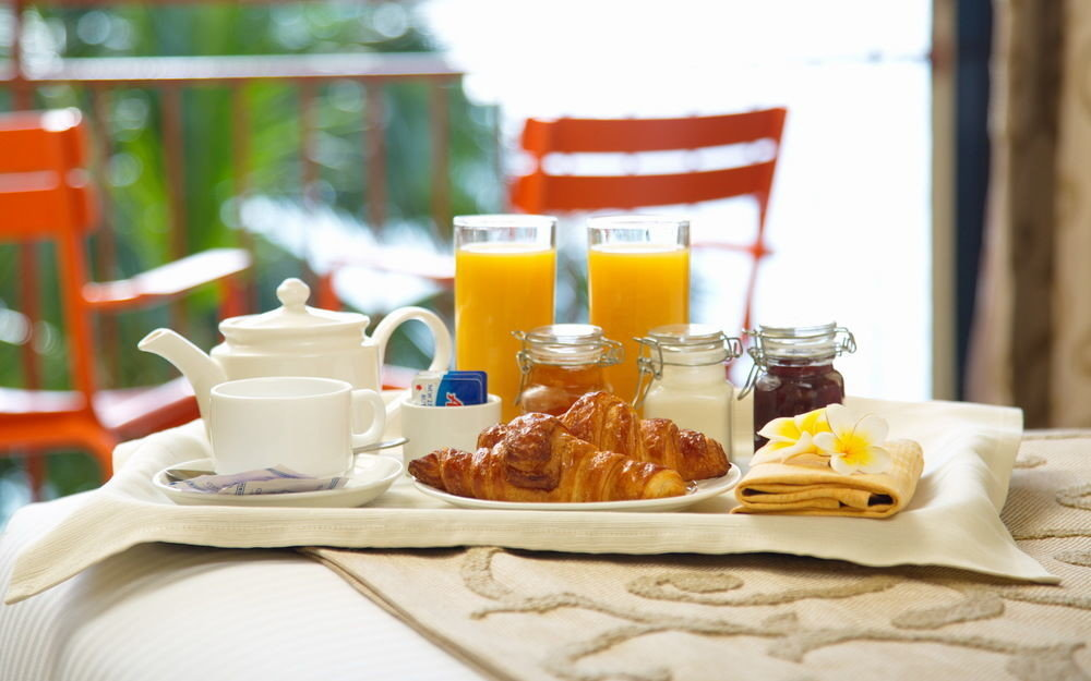 plate breakfast brunch lunch food sense restaurant dining table