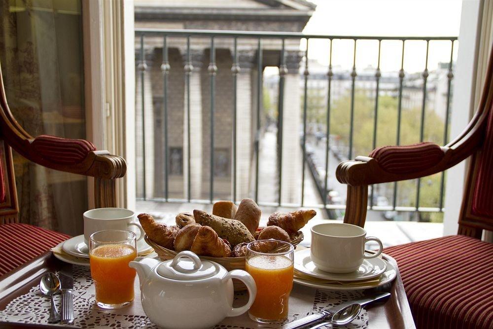 breakfast restaurant brunch dining table