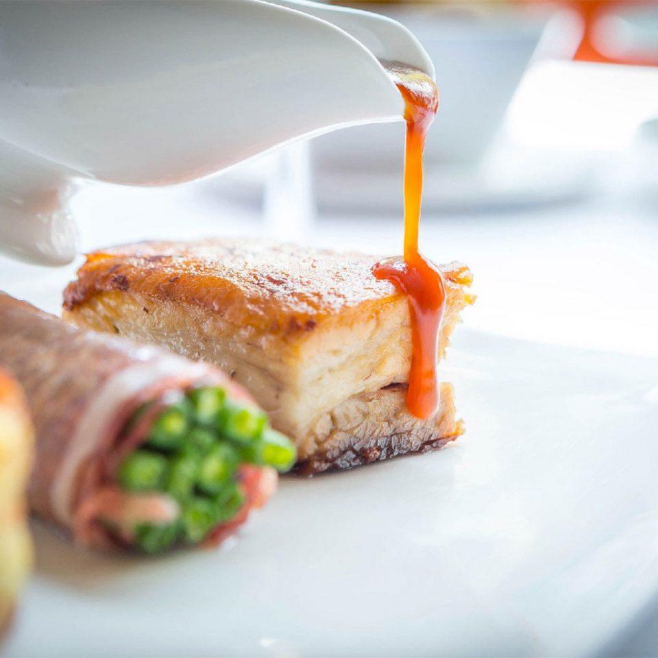 food plate breakfast meat cuisine sense restaurant pincho eaten piece de resistance