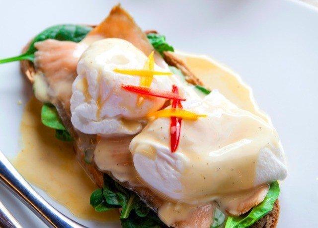 food plate eggs benedict breakfast cuisine sauce piece de resistance