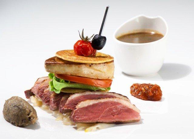 food plate meat breakfast roast beef cuisine salt cured meat full breakfast snack food square piece de resistance