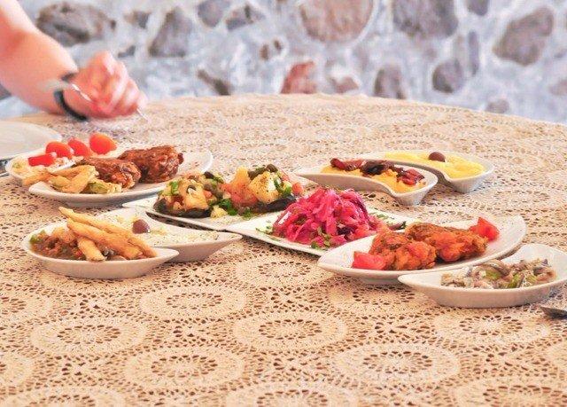 plate food cuisine breakfast lunch