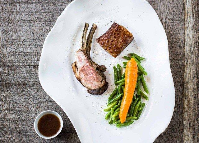 plate food meat vegetable steak breakfast