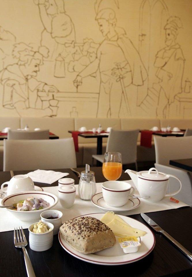plate restaurant breakfast set