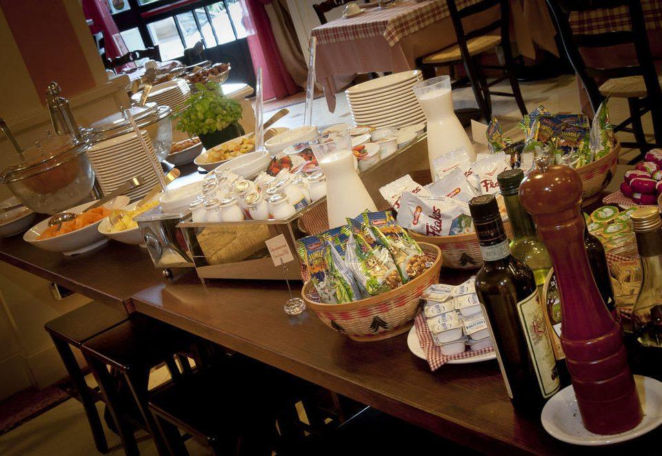 restaurant sense brunch food cluttered dining table