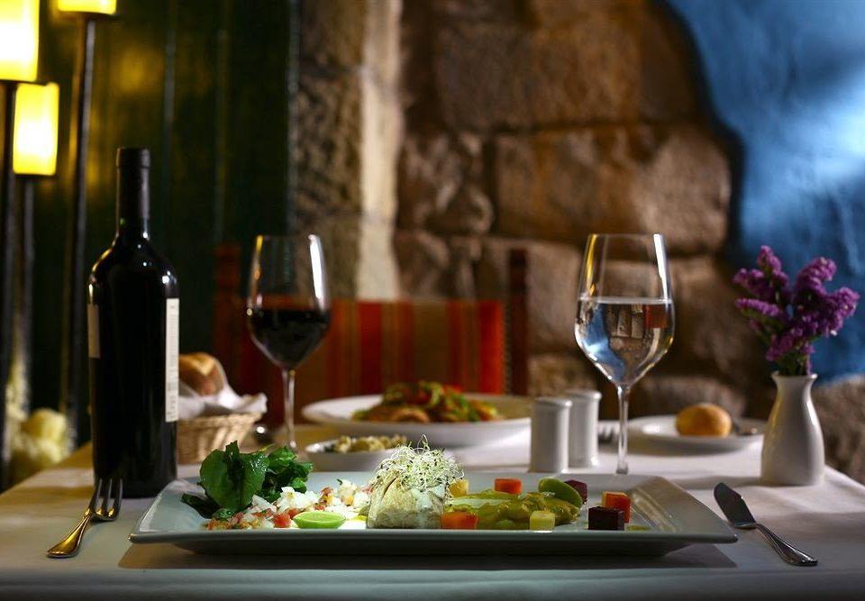 wine restaurant dinner brunch rehearsal dinner dining table
