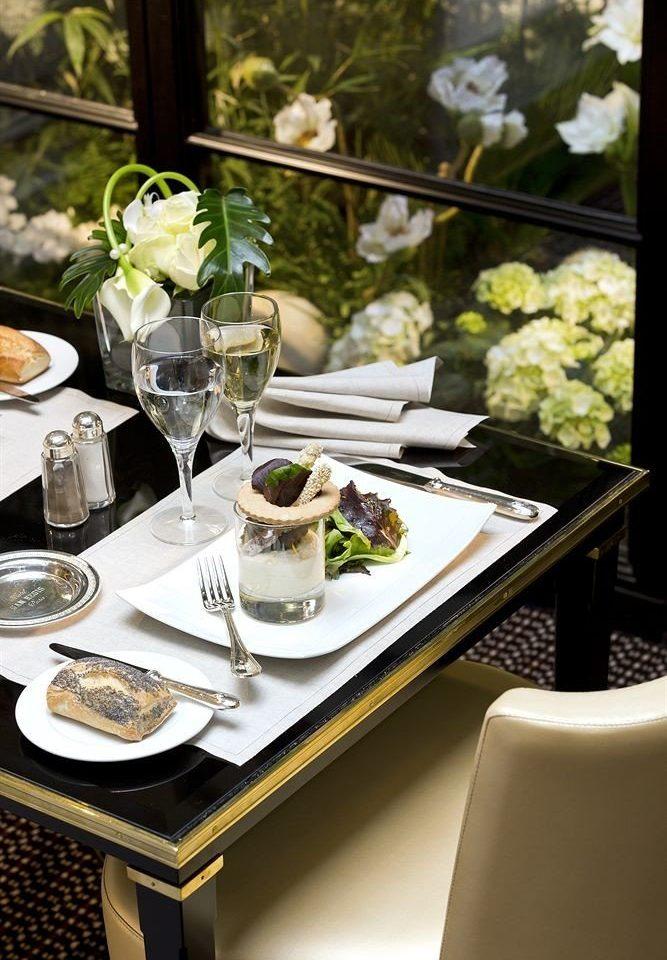 flower restaurant brunch set dining table