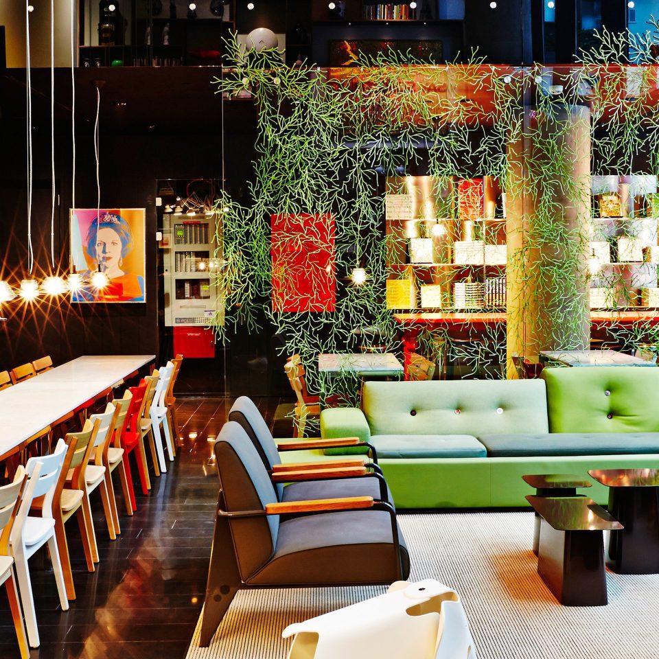 Budget City Lobby Lounge Modern restaurant floristry