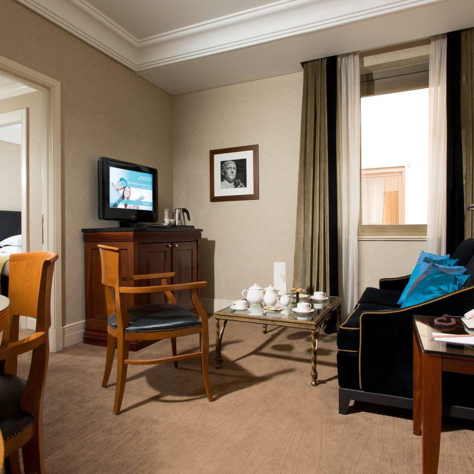 Budget City Suite property living room home cottage condominium Villa