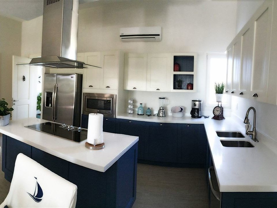 Budget Family Kitchen Resort Tropical Villa Waterfront property home condominium lighting cottage loft cuisine