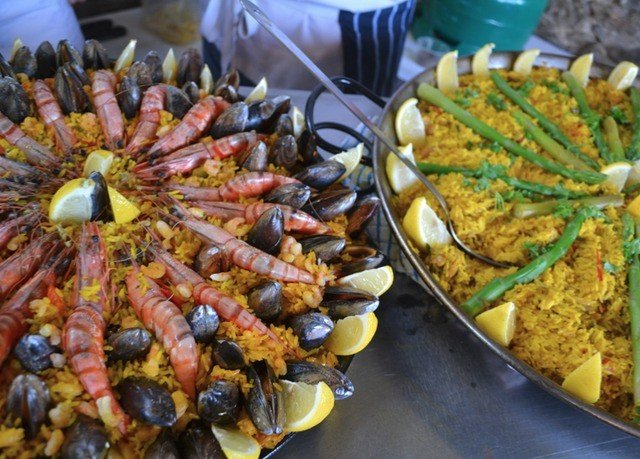 food cuisine seafood boil paella buffet meat vegetable