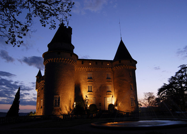 sky building landmark château castle evening tower dusk day