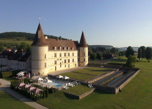 sky building grass property château palace castle