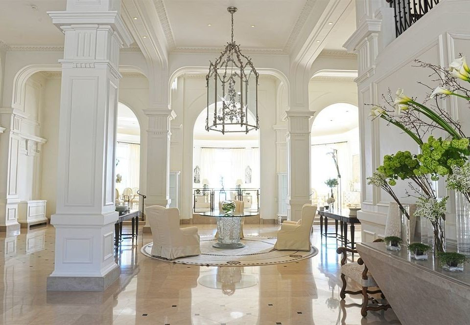 property building mansion palace place of worship chapel column