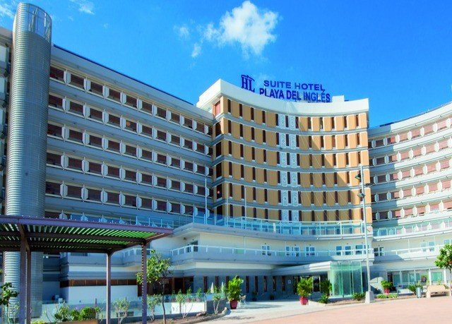 sky building property plaza commercial building condominium leisure centre hospital mixed use government building