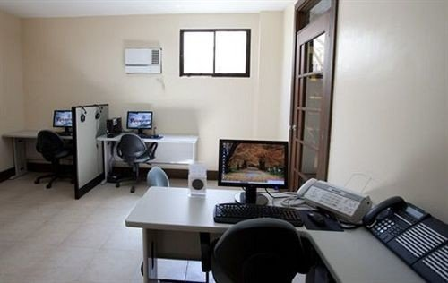 property building condominium living room cottage office