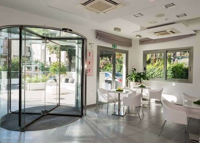 property building condominium home daylighting door