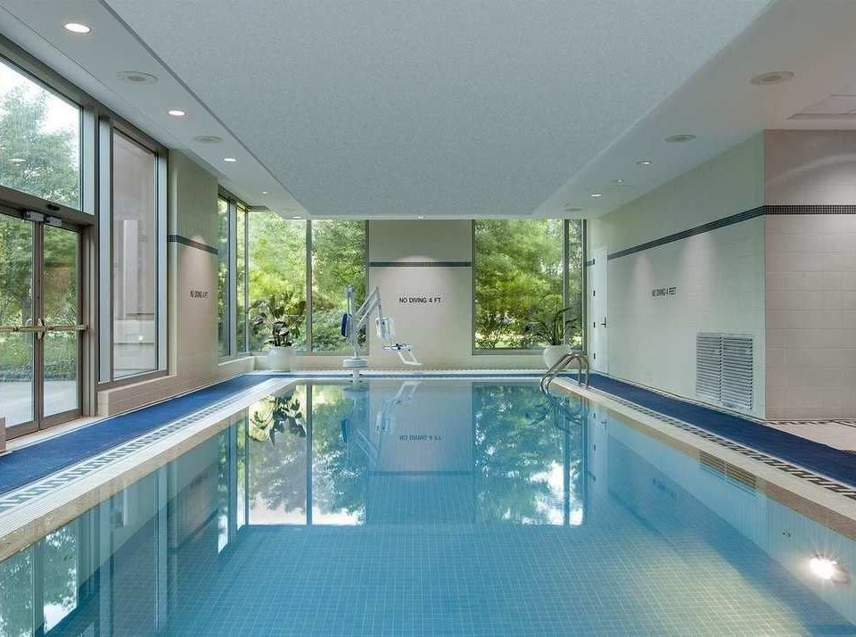 swimming pool building property leisure centre condominium daylighting mansion porch