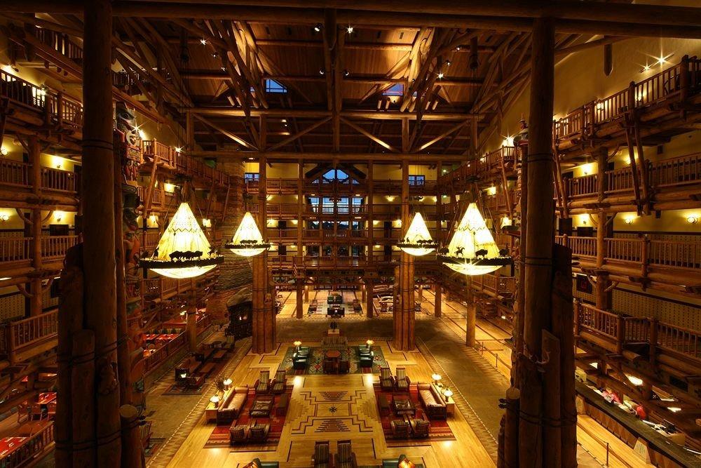building night retail lighting shopping mall