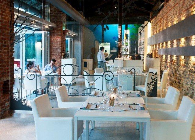 building property restaurant