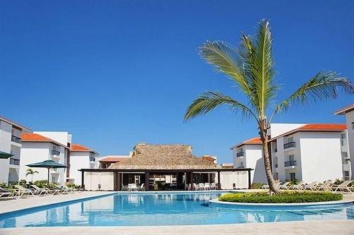 Buildings Exterior Hot tub Luxury Pool sky Resort property swimming pool condominium building leisure Villa caribbean home mansion
