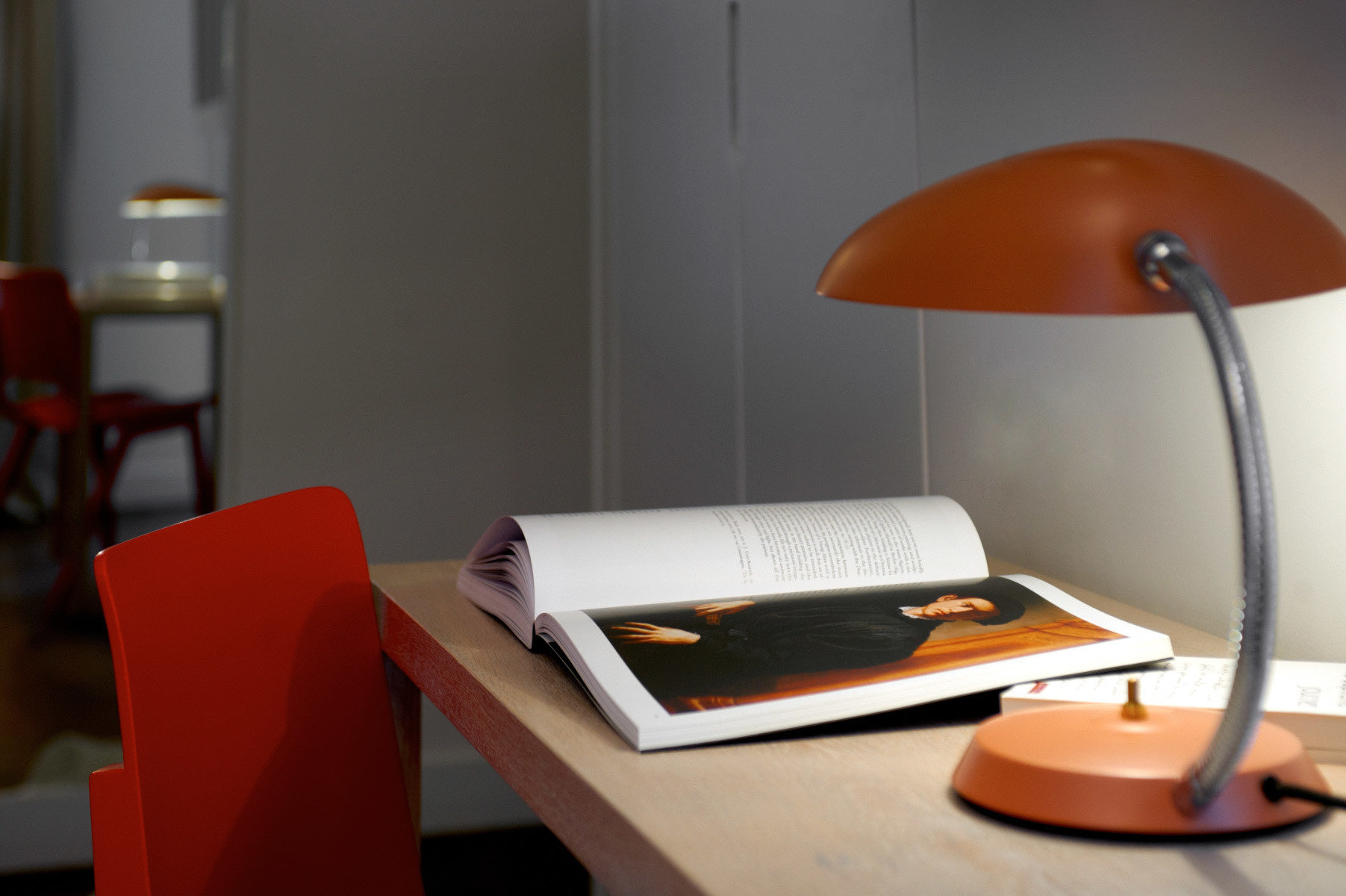 Business City Hip Modern desk office orange lamp