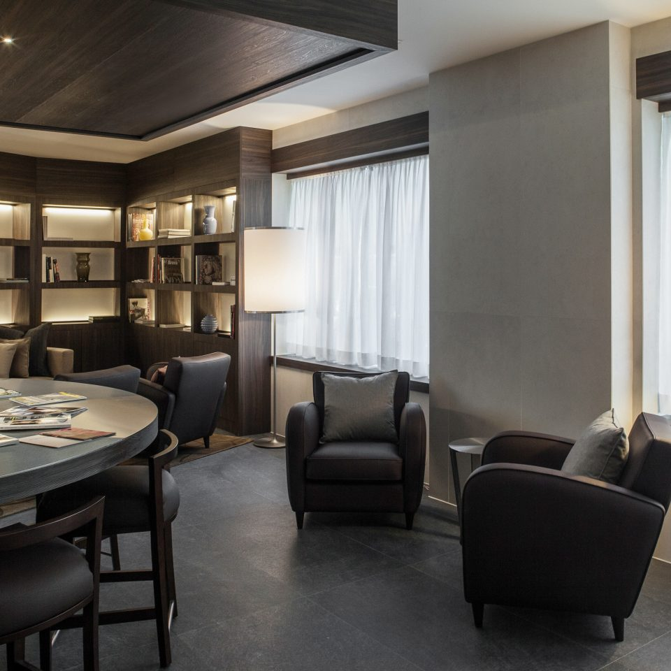 Business Classic Entertainment Lounge Resort property living room Suite home lighting condominium