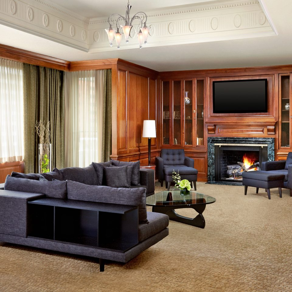 Business Classic Entertainment Resort living room property home Suite hardwood condominium mansion recreation room