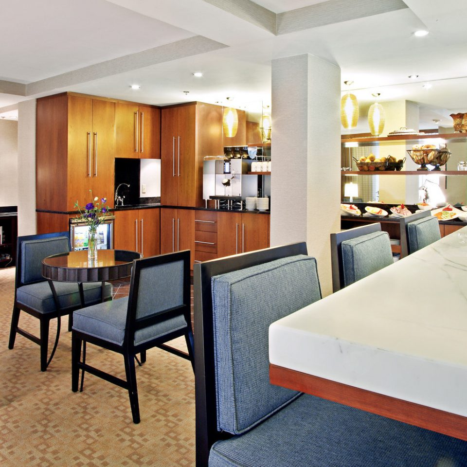 Business Dining Drink Eat property home condominium living room Suite Lobby