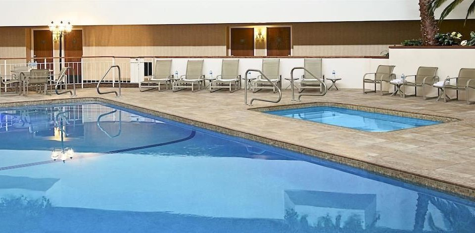Business Family Hot tub/Jacuzzi Pool swimming pool property leisure leisure centre jacuzzi Resort thermae Villa