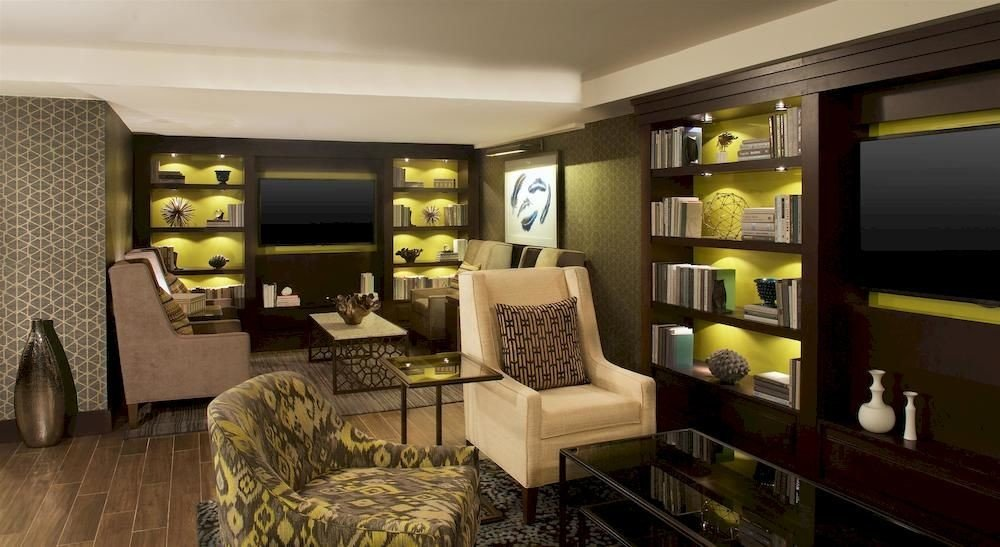 Business Family Lounge property condominium living room home Suite