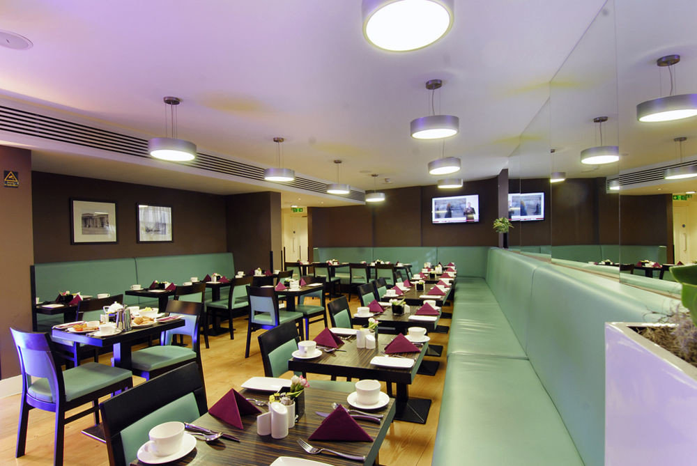 classroom cafeteria conference hall restaurant function hall food court recreation room