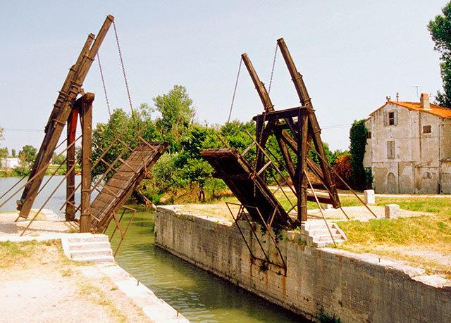 sky waterway bridge Canal