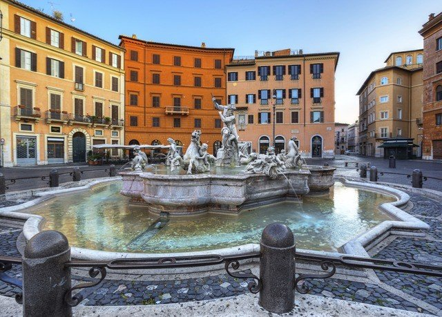 building plaza Town fountain town square water feature waterway palace Courtyard cityscape Canal ancient rome apartment building