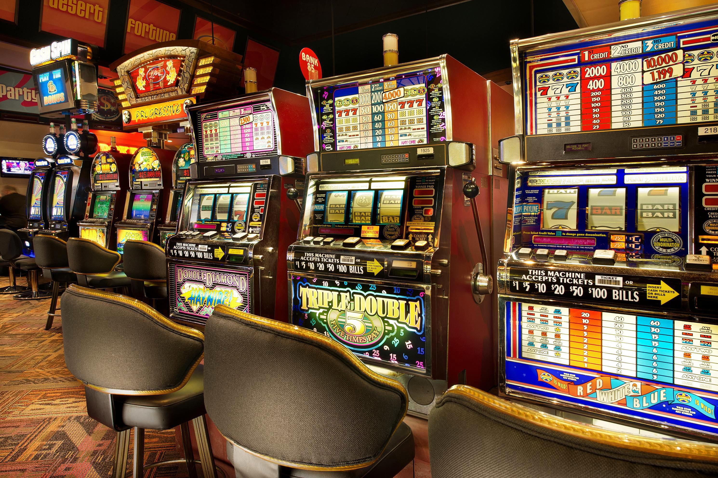 building machine slot machine Casino cluttered