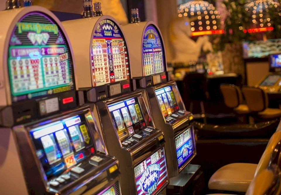 Casino Resort building machine slot machine