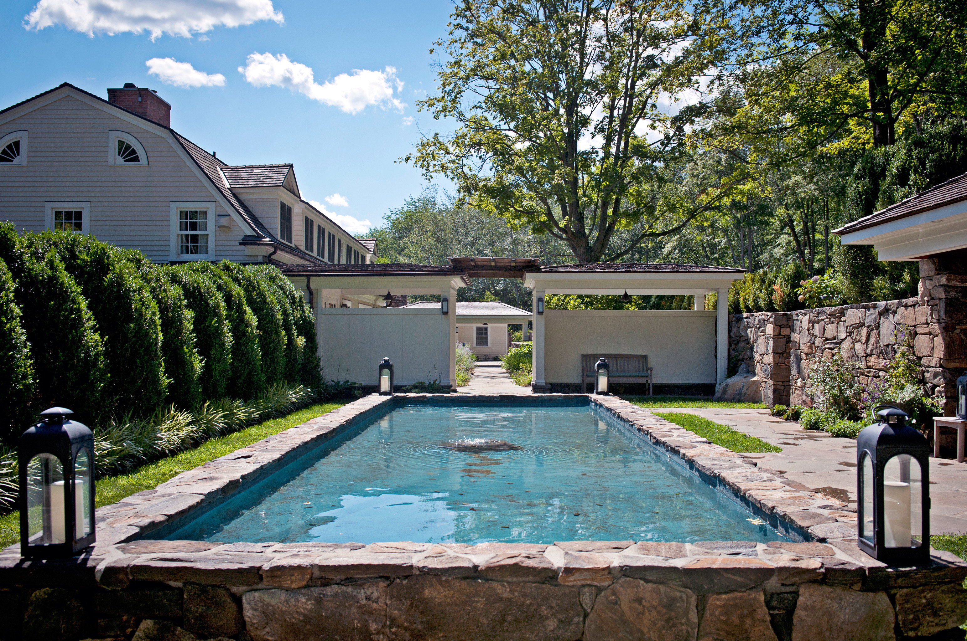 Celebs Country Exterior Hotels Inn Luxury Modern Outdoor Activities Pool tree swimming pool property house building backyard home yard cottage Garden Villa waterway Courtyard mansion