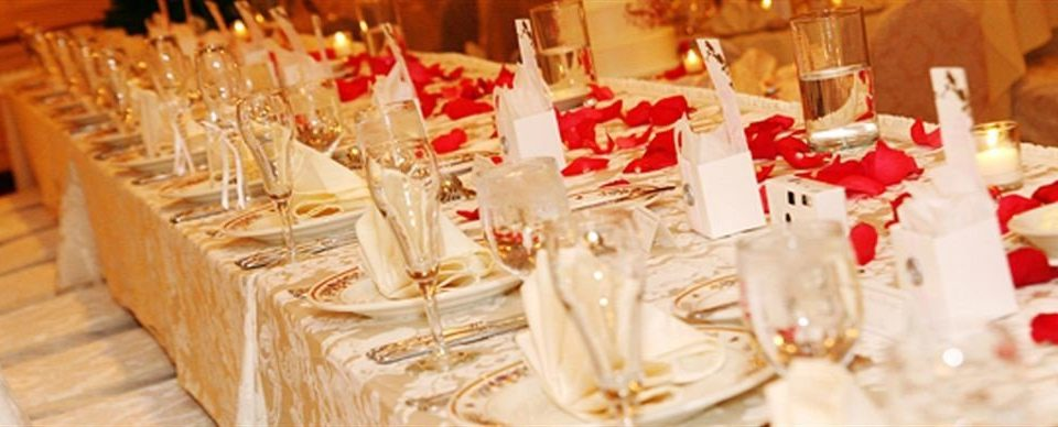 centrepiece ceremony wedding dining table dinner