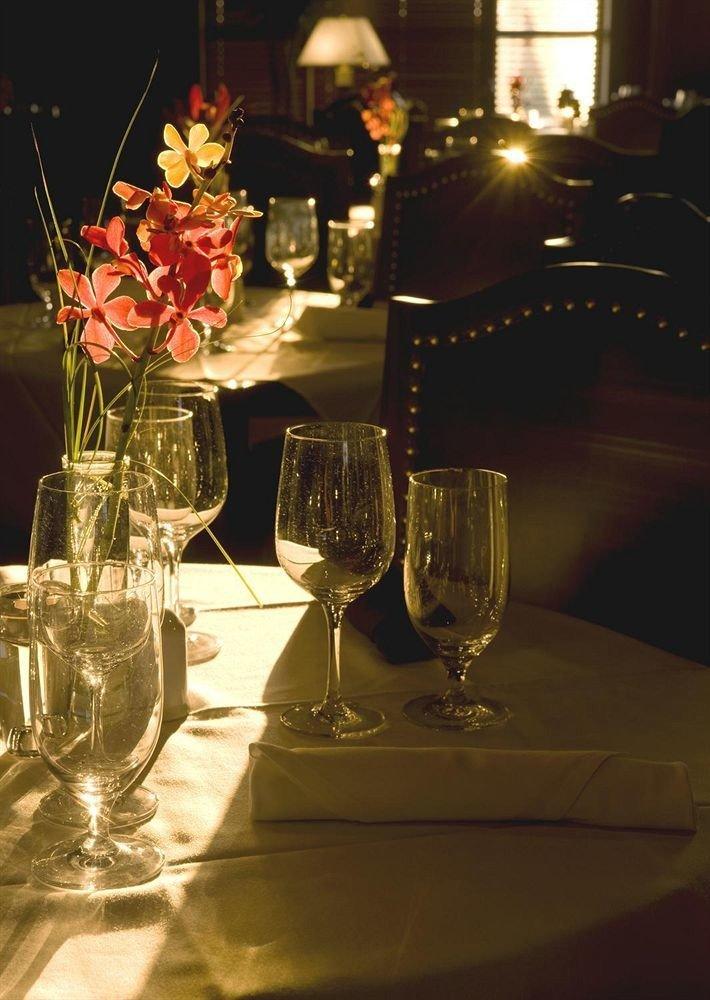 glasses wine glass centrepiece restaurant lighting dinner flower clear