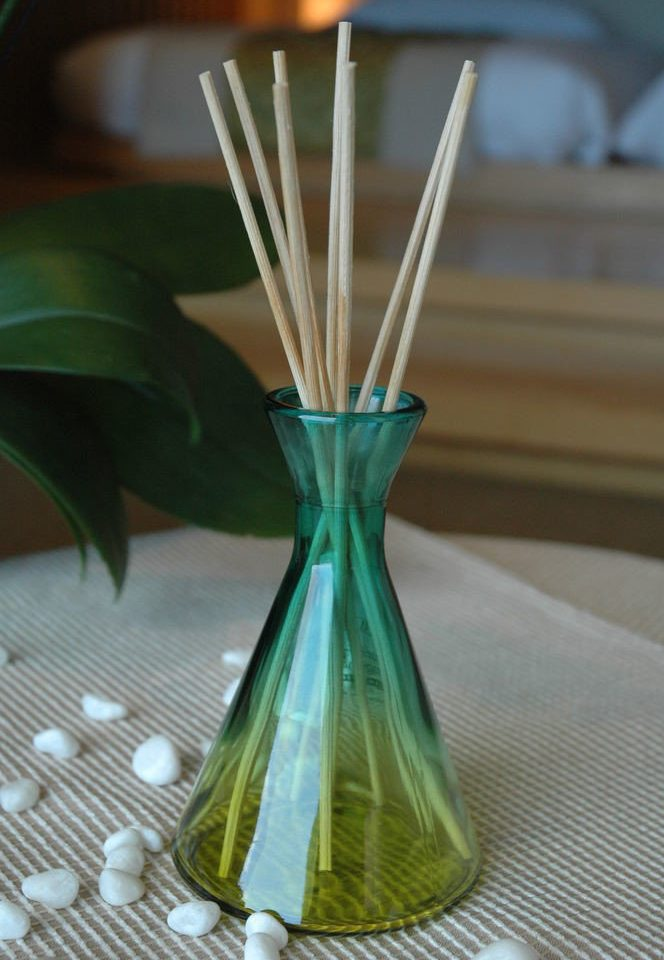 green flower centrepiece lighting glass vase single