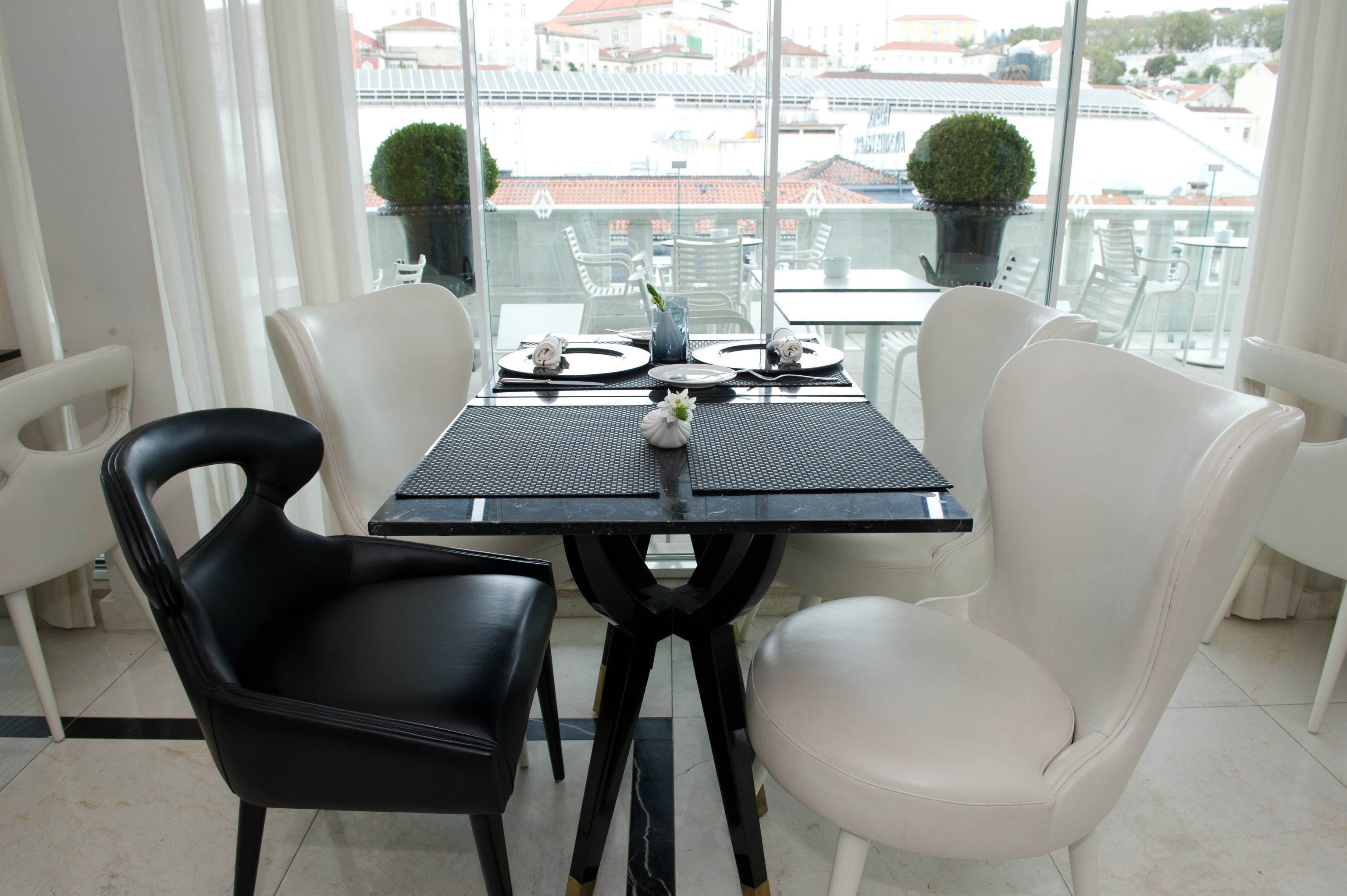 chair property office living room home condominium waiting room dining table