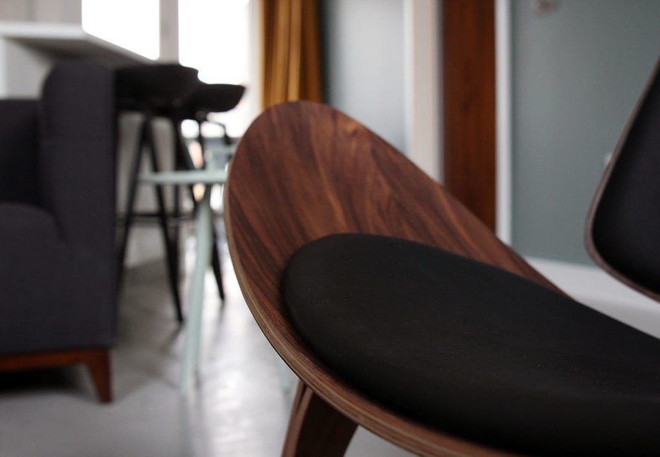 chair seat dining table