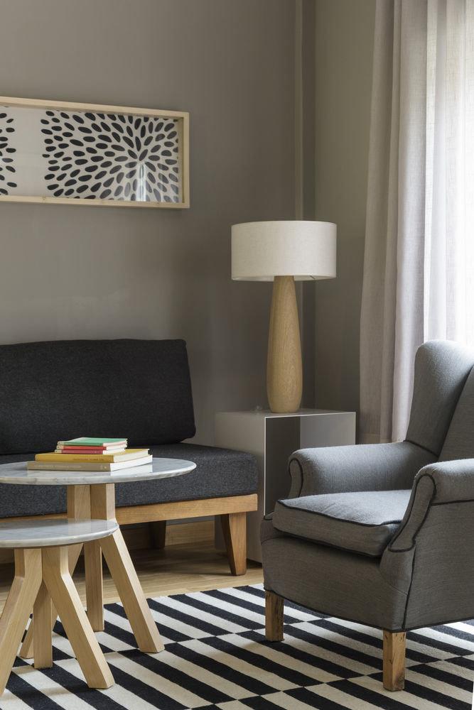 living room chair lighting