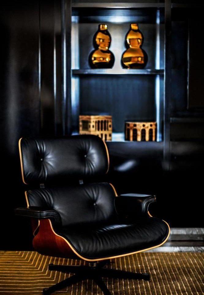 living room chair screenshot seat