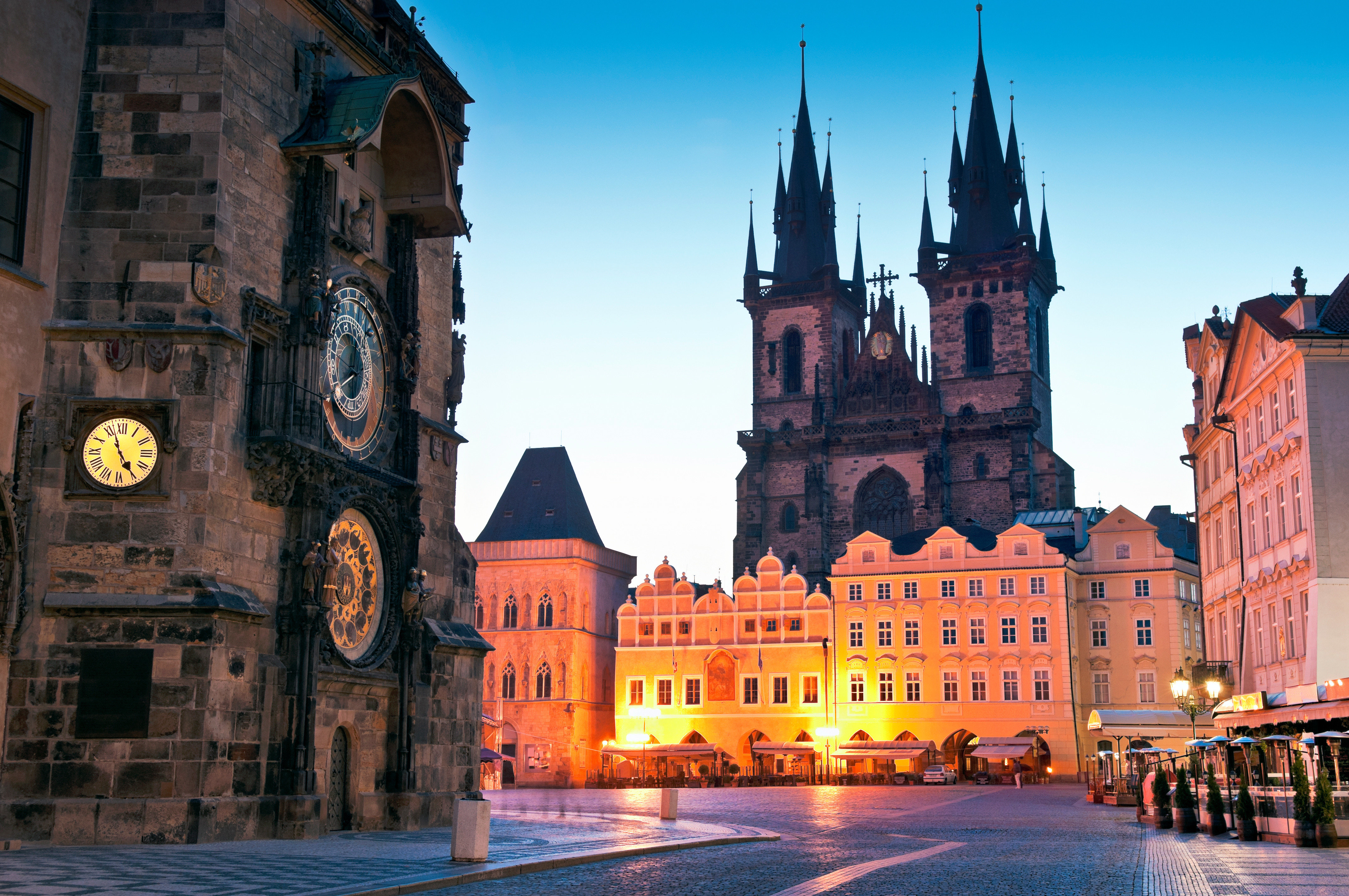 City building landmark Town cityscape plaza old evening cathedral town square château place of worship Church waterway tours