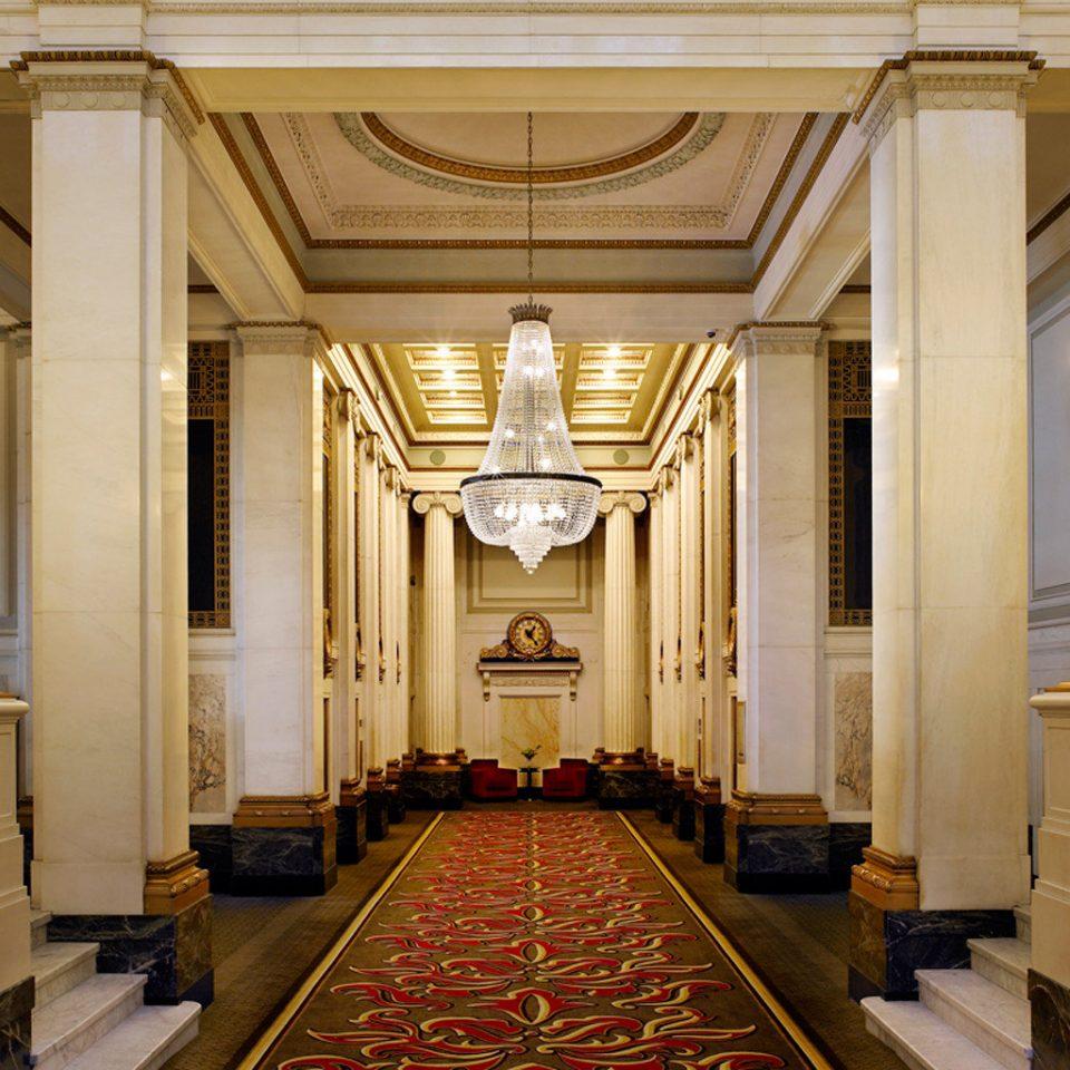 palace column function hall chapel ballroom altar aisle mansion hall Lobby place of worship Church auditorium synagogue