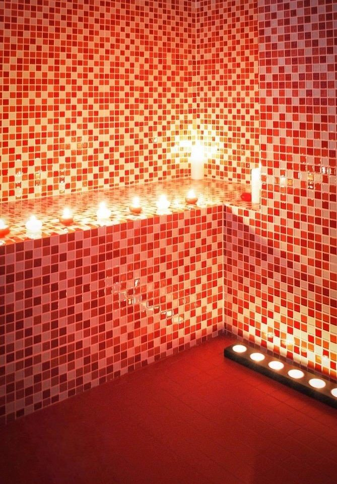 red light flooring lighting display device shape signage circle pattern modern art flat panel display