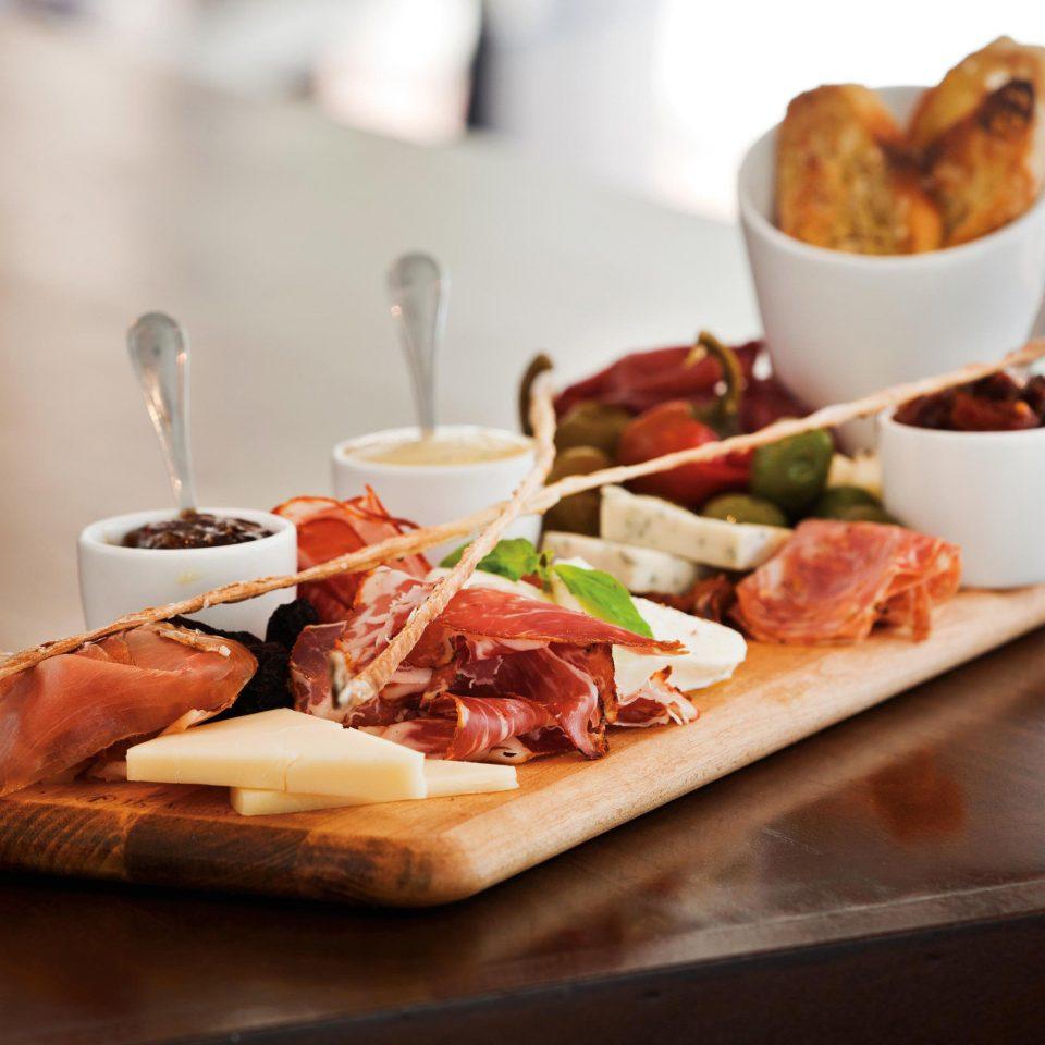 City Classic Dining Eat food plate cuisine restaurant breakfast brunch meat lunch sense hors d oeuvre tapas piece de resistance