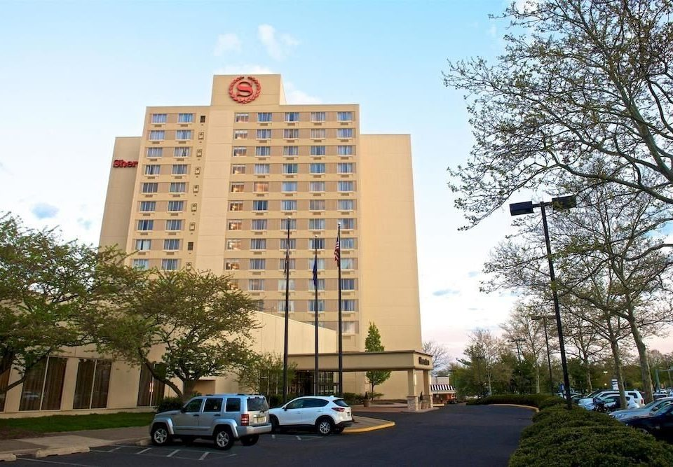 Classic Exterior Family sky tree road tower block plaza property building landmark City residential area neighbourhood condominium Downtown headquarters campus mixed use