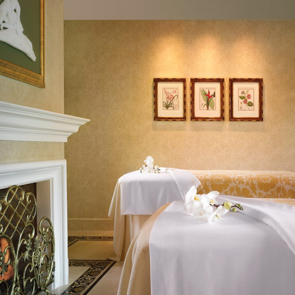 City Classic Elegant Luxury Spa Wellness property home white Suite